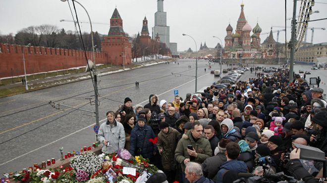 Власти Москвы третий раз ликвидировали народный мемориал Немцова - Цензор.НЕТ 2146