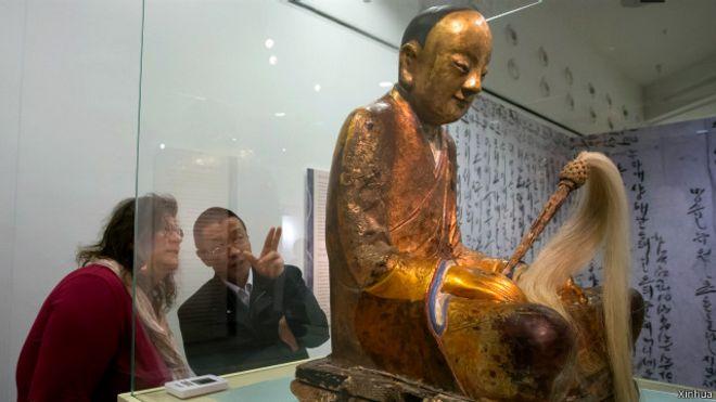 Warga kampung di Cina tuntut mumi dari Belanda