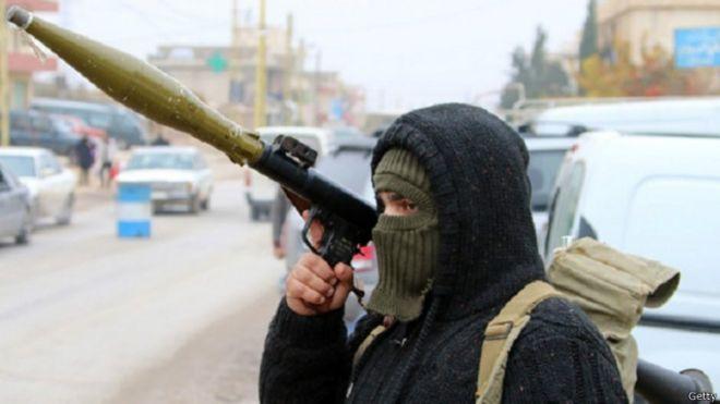 متابعة مستجدات الساحة السورية - صفحة 6 150328155044_nusra_fightre_640x360_getty