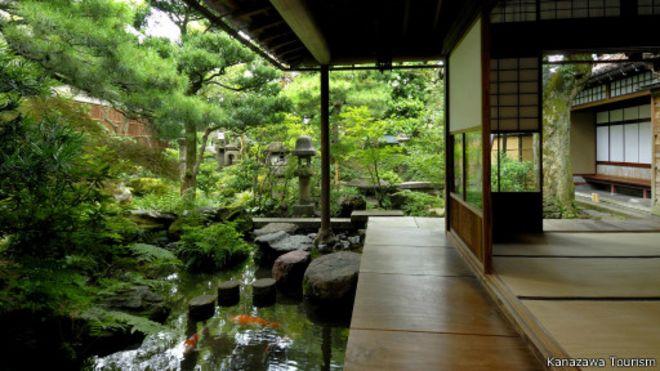 جولة داخل بلدة الساموراي القديمة في اليابان 150330154553_japans_