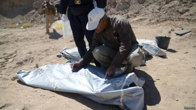 http://ichef.bbci.co.uk/news/ws/660/amz/worldservice/live/assets/images/2015/04/07/150407083707_tikrit_mass_grave_624x351_reuters.jpg