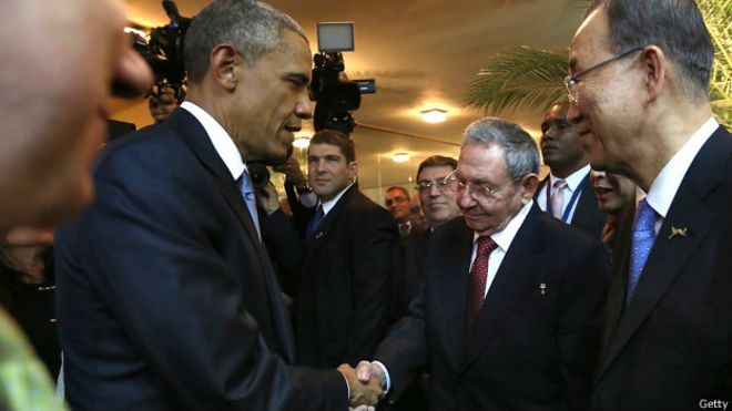 USA y Cuba reanudan relaciones 150411025634_sp_obama_castro_shaking_hands_624x351_getty