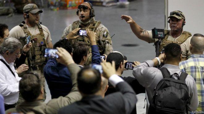 Сотрудники SWAT на конференции