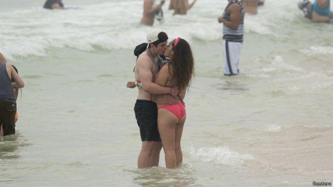 Sexo en la playa pix