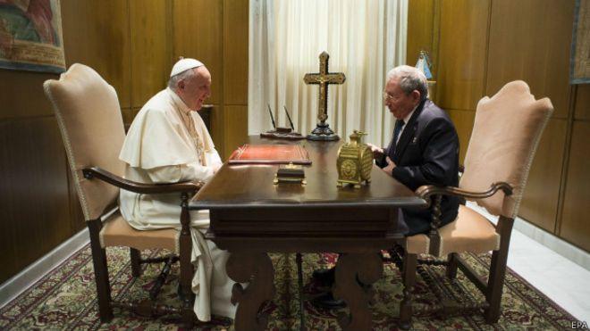 Папа и Кастро