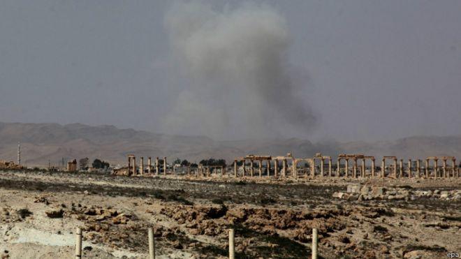 http://ichef.bbci.co.uk/news/ws/660/amz/worldservice/live/assets/images/2015/05/20/150520192254_syria_palmyra_624x351_epa.jpg