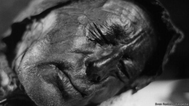 Los procesos naturales dejan cuerpos momificados de increíble aspecto, como el hombre de Tollund, en Dinamarca.