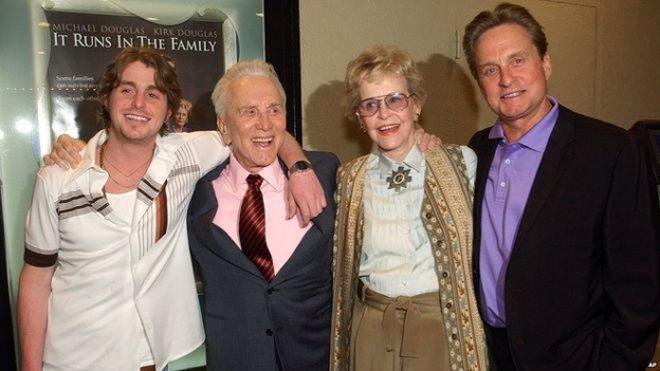 وفاة الممثلة الأمريكية ديانا دوغلاس عن عمر ناهز 92 عاما