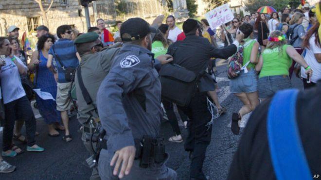 حمله یهودی بنیادگرا به رژه همجنسگرایان در بیت المقدس با چاقو
