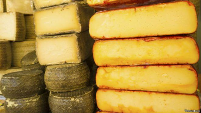 Сыр раздавили 45-тонным катком: Сыра было очень
