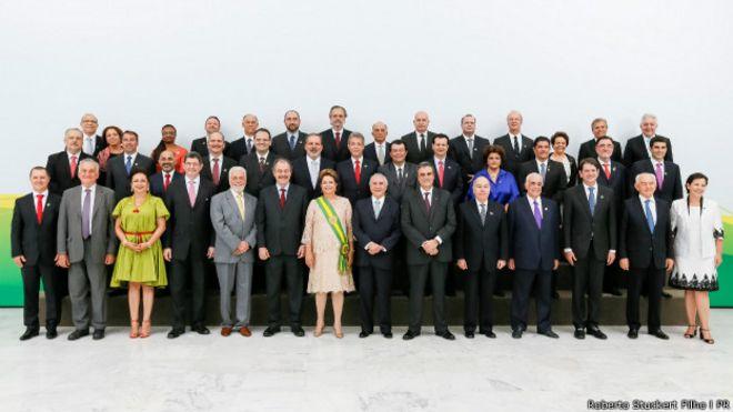 Dilma e seus ministros em 1º de janeiro (Foto: Roberto Stuckert Filho/PR)