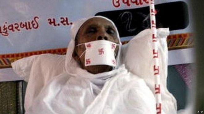 �Deber�a India dar a los jainistas la opci�n de morir?