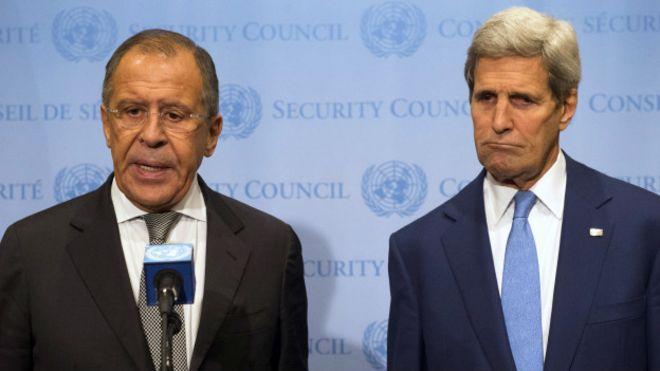 Сергей Лавров (слева) и Джон Керри
