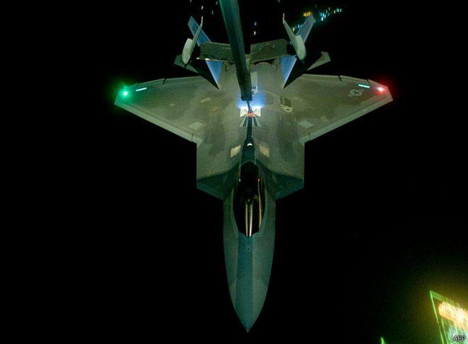 F-22 во время боевого вылета в Сирии