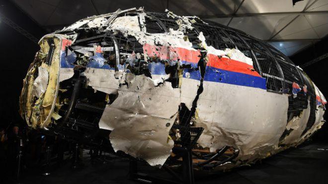 Restos del MH17 reconstruidos
