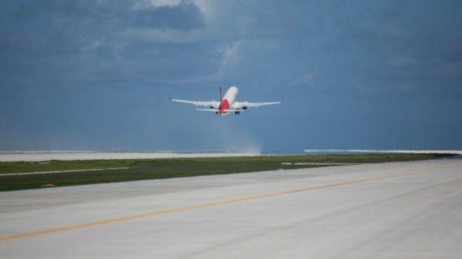 Trung Quốc thử đáp phi cơ xuống đường băng tại quần đảo Trường Sa