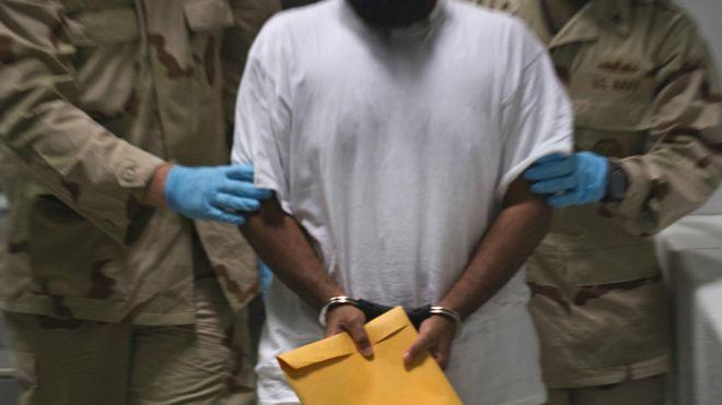 Muhammad Bawazir, el prisionero que se niega a abandonar la cárcel de Guantánamo pese a poder hacerlo