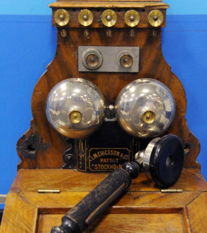"""Старинный телефонный аппарат фирмы """"Эриксон"""""""