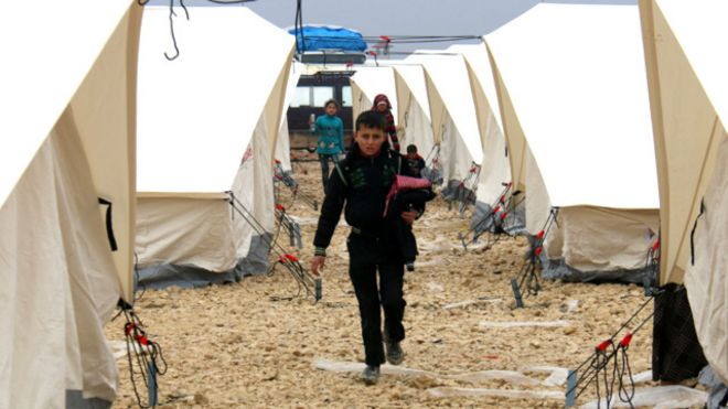 تنظيم الدولة الإسلامية يحقق تقدما على المعارضة السورية بالقرب من حدود تركيا