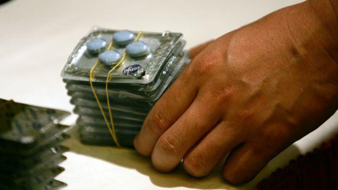 食藥監局承擔中國藥品市場監管職能。圖為在中國查處的假藥。