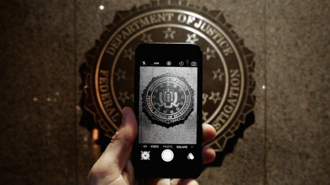 Apple: FBI telefon kameraları ve mikrofonlarını kontrol edebilir