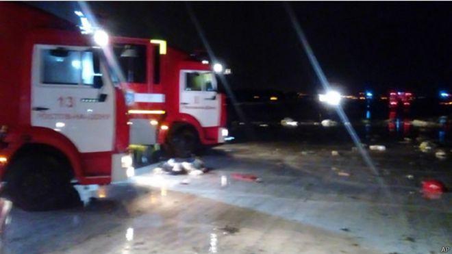 مقتل 62 شخصا في تحطم طائرة ركاب لشركة فلاي دبي جنوبي روسيا 160319042553_rostov_624x351_ap