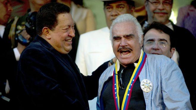 Hugo Chávez y Vicente Fernández