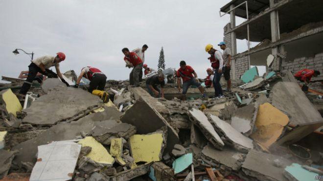 厄瓜多尔地震救灾正在进行中