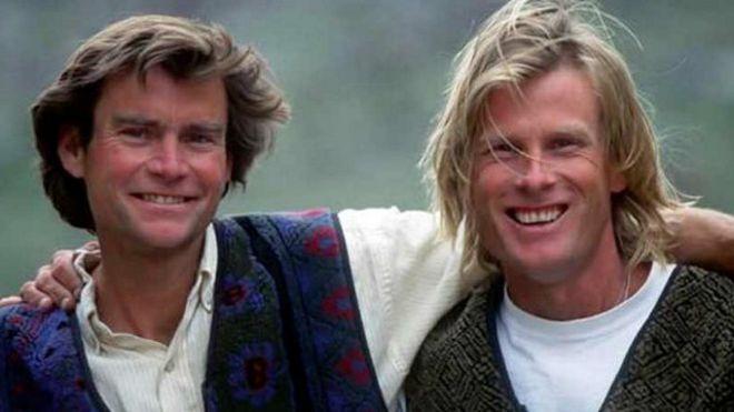 """Hallan """"encapsulados en hielo"""" cuerpos de montañistas Alex Lowe y Daniel Bridge, desaparecidos hace 16 años"""
