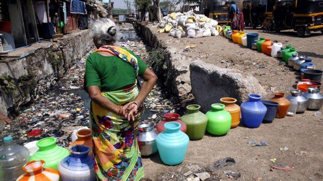 Индия, очередь за водой