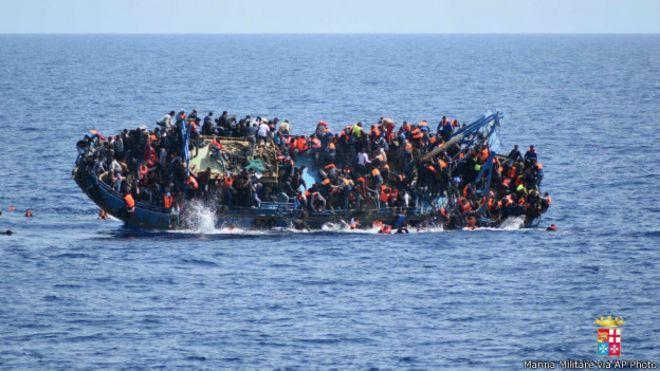 160526122000_migrant_ship_italy_624x351_