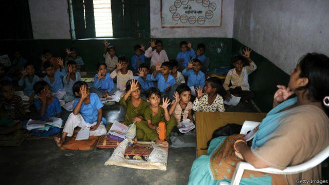 http://ichef.bbci.co.uk/news/ws/660/amz/worldservice/live/assets/images/2016/05/29/160529101452_india_school_children_640x360_gettyimages.jpg