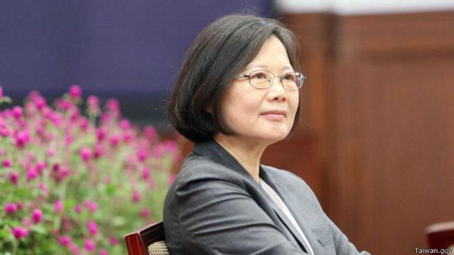 蔡英文首次出访:民进党外交不再点烽火?