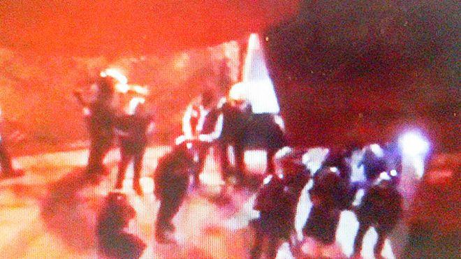 துப்பாக்கி சூடு நடந்த கஃபேவில் தற்போது பலர் பணயக்கைதிகளாக சிறைபிடிப்பு