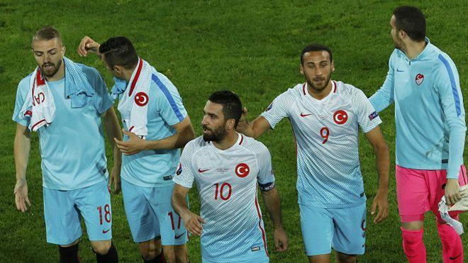 استقالة مسؤولي اتحاد الكرة التركي بسبب التحقيقات في الانقلاب الفاشل