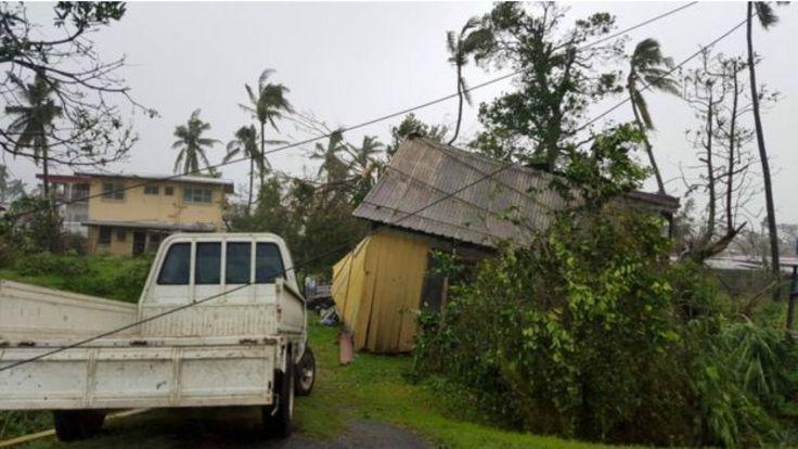 斐濟維提島巴鎮一處民房被超強熱帶氣旋溫斯頓吹塌(21/2/2016)