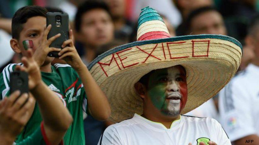 Aficionado de México en la Copa Oro 2015