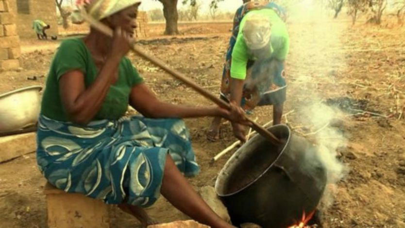 Préparation du beurre de karité au Ghana