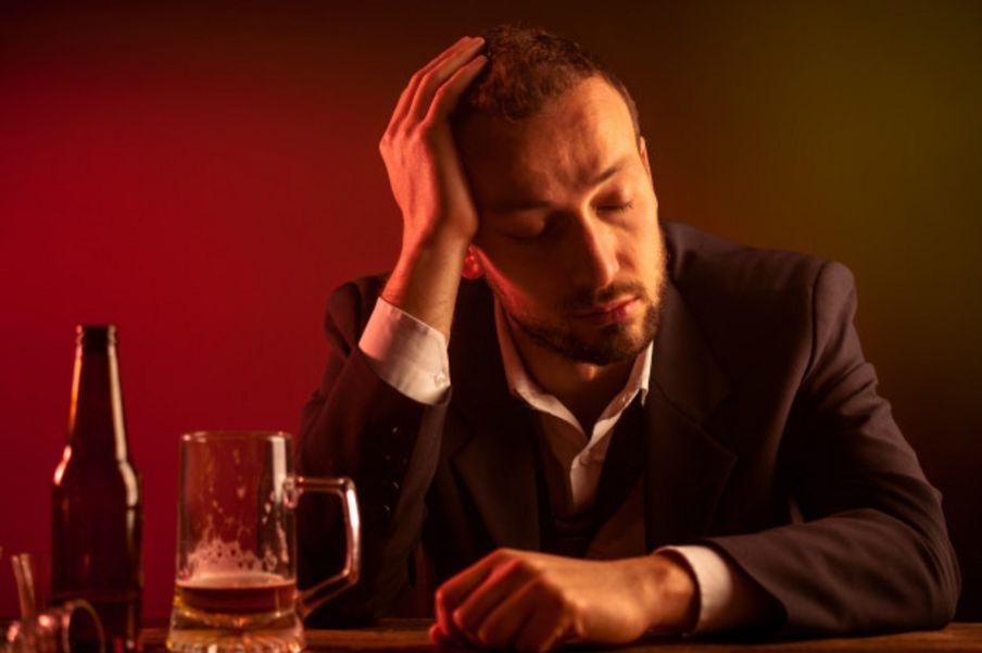 ¿Por qué unas personas se emborrachan más rápidamente que otras?
