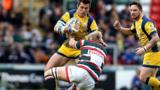 Wynand Olivier (centre) in action for Worcester Warriors
