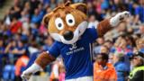 Filbert Fox, the Leicester City mascot