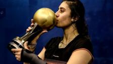 Nour El Sherbini with the 2015 Women's World Championship trophy