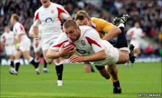 Ben Cohen dives over to score against Australia