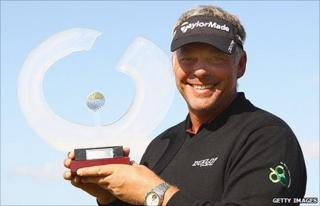 Darren Clarke with the Iberdrola Open trophy