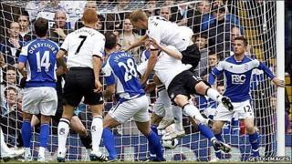 Brede Hangeland scores for Fulham