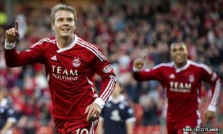 Darren Mackie celebrates scoring for Aberdeen against Dundee