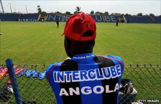 A fan of Angolan side InterClube