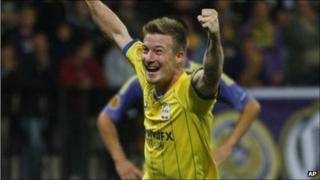 Wade Elliott celebrates scoring Birmingham's winner