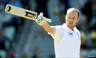 Jonathan Trott celebrates his fifth Test ton