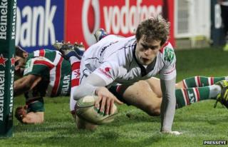 Andrew Trimble notches Ulster's first try